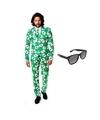 Heren kostuum met kaarten print maat 54 2xl met gratis zonnebr